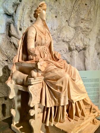 Cibele, scultura di epoca romana, Museo della Marsica - Celano, aprile 2015