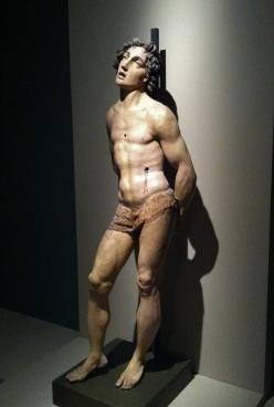 Il San Sebastiano di Gatti fotografato nella mostra di Parigi.