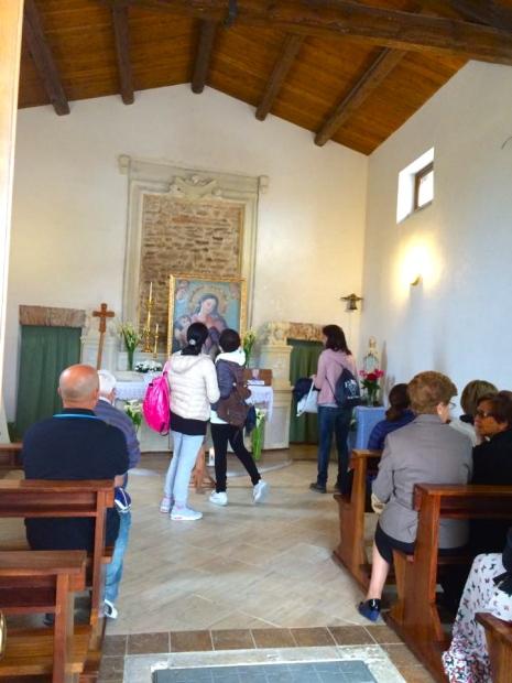 Sosta dei pellegrini a Santa Croce, Francavilla al Mare, maggio 2015