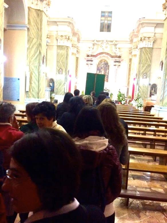 Vacri 2015, uscita dalla Chiesa senza voltarsi.