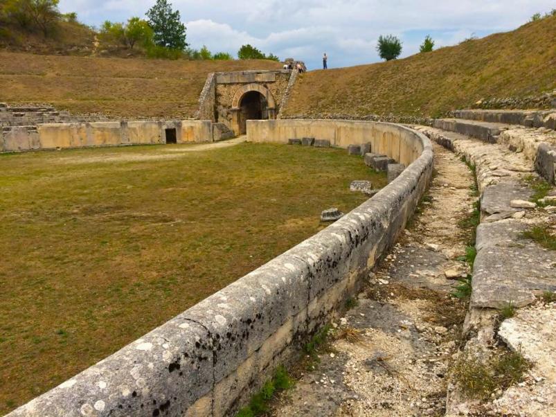 Alba Fucens - anfiteatro romano - agosto 2015