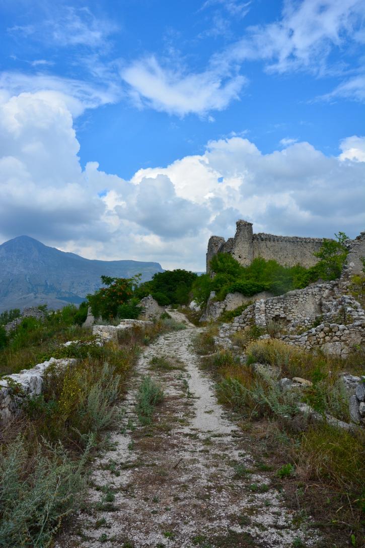 Alba Fucens - Massa d'Albe, borgo medievale - agosto 2015