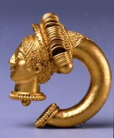 Orecchino in oro di epoca etrusca o italica rinvenuto ad Atri (Te) - Londra, British Museum.