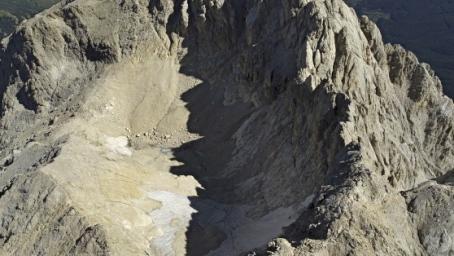 Gran Sasso d'Italia, ghiacciaio del Calderone (fonte Il Centro quotidiano)