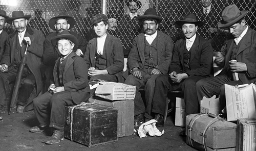 Italian immigrants, Ellis Island