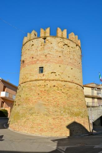 Ripa Teatina, una delle Torri dell'antica Castrum Teate - marzo 2016