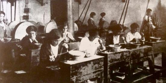 Bottega dei F.lli Migliori per l lavorazione del Corallo - Giulianova, inizi '900 - gentile concessione Fondazione Museo Bindi Giulianova