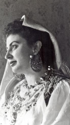 Donna di Orsogna, inizi '900 - Concessione Museo delle Genti d'Abruzzo